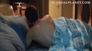Anna Kendrick desnuda y follando en la película 'love Life'