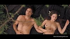 Topless de María Valverde desnuda y follando en Libertador